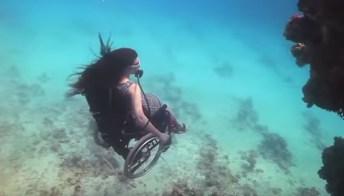 Esplorando i fondali oceanici con la sedia a rotelle