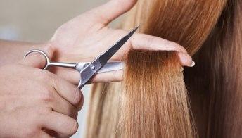 Taglia i capelli dopo 16 anni: la trasformazione