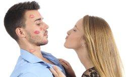 Il primo bacio di veri e propri imbranati