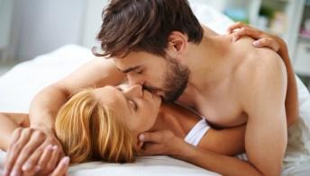 Perché le donne fingono l'orgasmo?