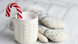 Cioccolata calda bianca in tazza