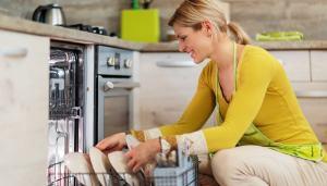 come-rimuovere-odori-lavastoviglie