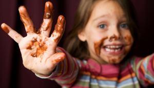 rimuovere-macchie-cioccolato