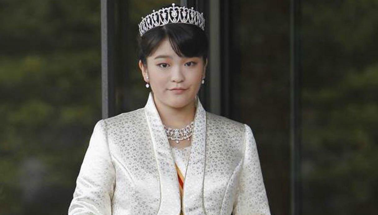 principessa mako rinuncia al trono per amore