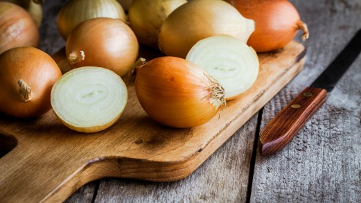 Cipolla: ottimo rimedio per tosse e raffreddore, usala così