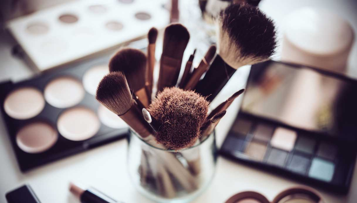 Come pulire i pennelli e gli strumenti per il make up nel modo ...