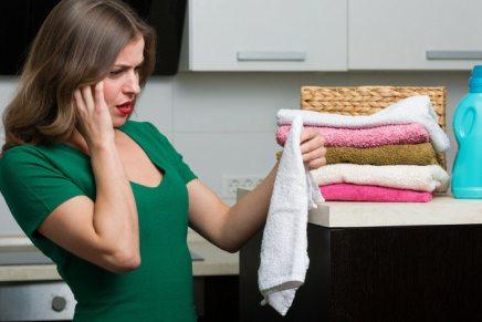 Come rimuovere le macchie di benzina dai vestiti