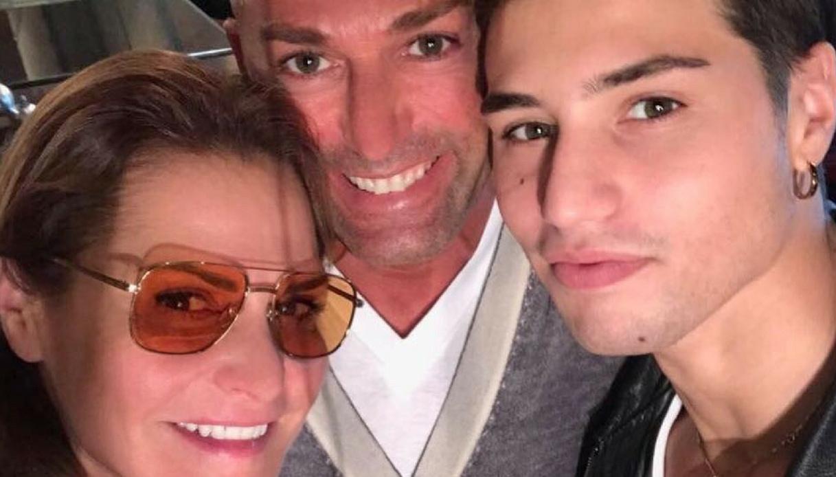 Simona Ventura e Stefano Bettarini, finalmente insieme col sorriso