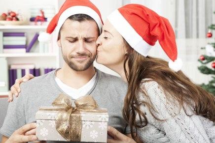 Come riciclare i regali di Natale (senza farsi beccare)