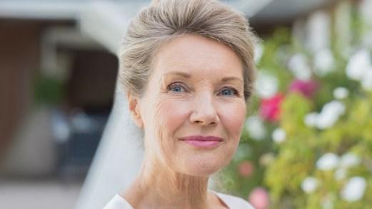 Capelli a 70 anni: tagli, colori e idee