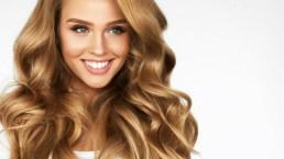Tagli e acconciature: capelli lisci, ricci, mossi