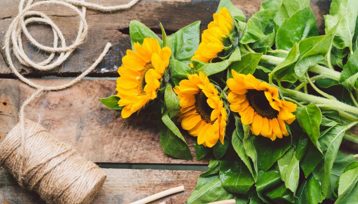 idee-bouquet-da-sposa-con-fiori-di-campo-girasoli