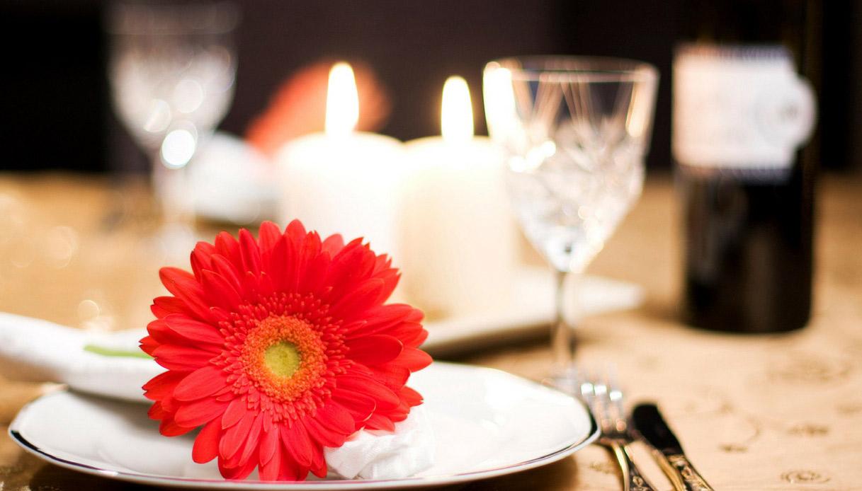 regali-per-lei-come-stupirla-cena-romantica