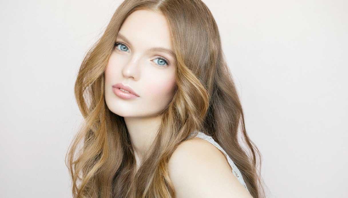 Make up leggero con gloss