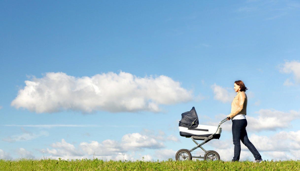 mamme-in-forma-dopo-il-parto-consigli-pancia-piatta-camminata