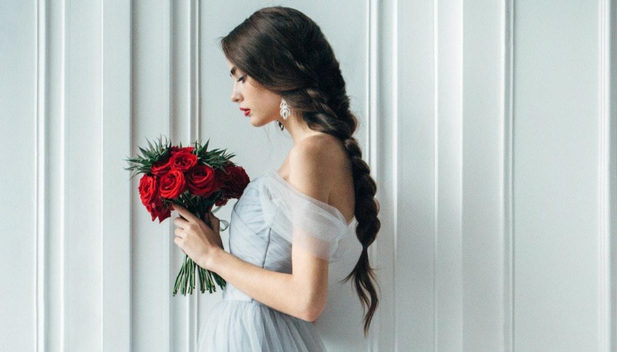 Traccia acconciatura sposa con i capelli lunghi 2018