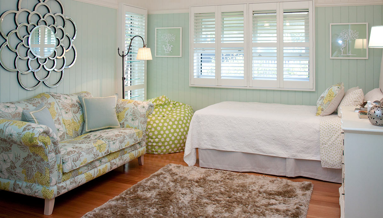 camera singola con divano