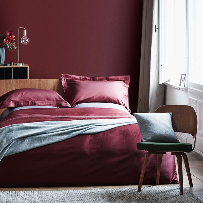 camera da letto parete marsala
