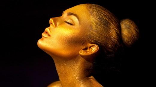 "Tintarella scintillante: la crema solare è ""sparkly"""