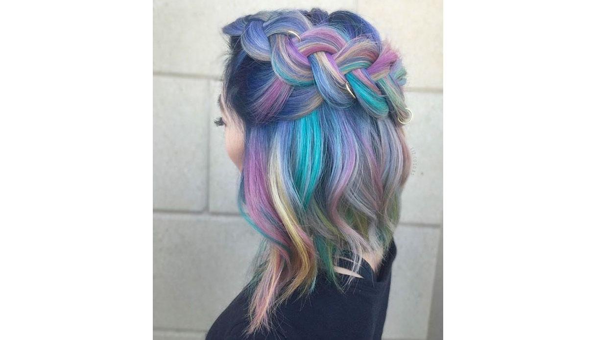 Tinta unicorn per capelli castani