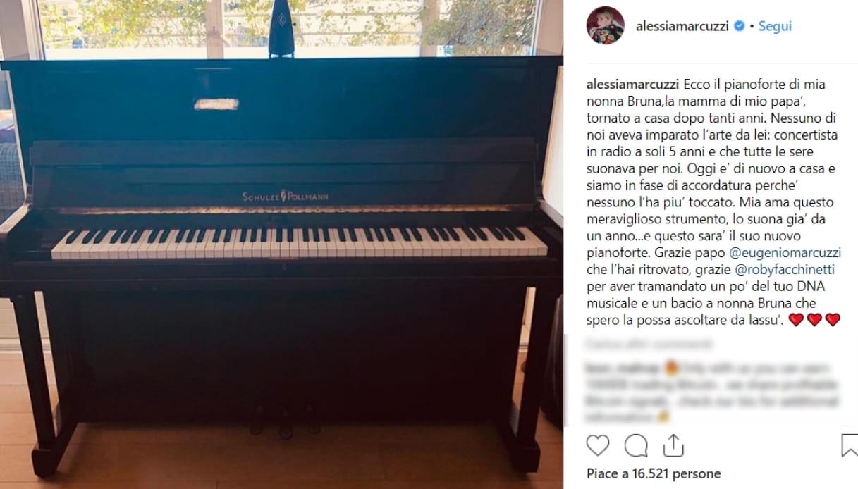 Il pianoforte di Alessia Marcuzzi Instagram