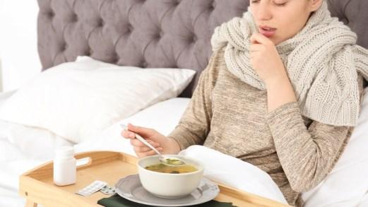Il brodo di pollo, potente antinfiammatorio contro influenza e raffreddore