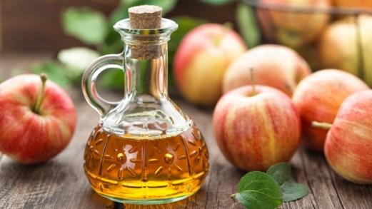 Mal di gola, l'aceto di mele come potente rimedio naturale