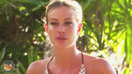 """Isola, Taylor Mega confessa: """"Sono stata dipendente dalle droghe"""""""