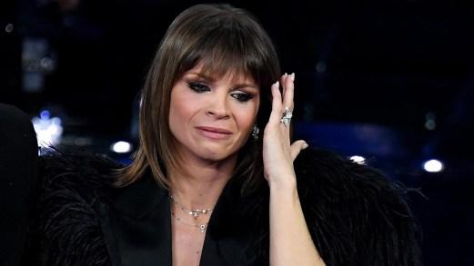 Sanremo, terza serata: la Amoroso si commuove e l'Ariston balla con Tozzi