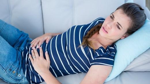 Reflusso gastroesofageo, i sintomi e come riconoscerli