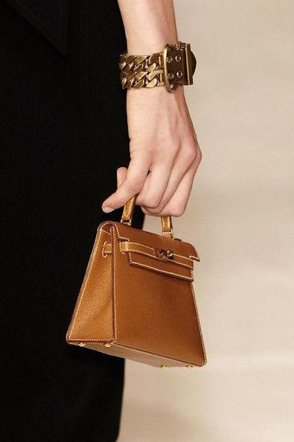La Kelly di Hermès: storia di una borsa iconica e consigli di stile