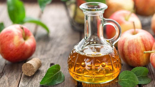 Macchie della pelle: aceto di mele, bicarbonato e gli altri rimedi naturali