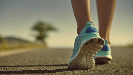 Camminata, quanti passi al giorno sono necessari per fare effetto