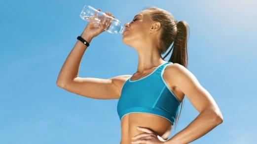 Camminata veloce, quanto bere per non essere disidratati