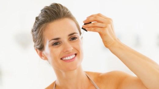 Siero viso: a cosa serve e quale scegliere per la tua pelle