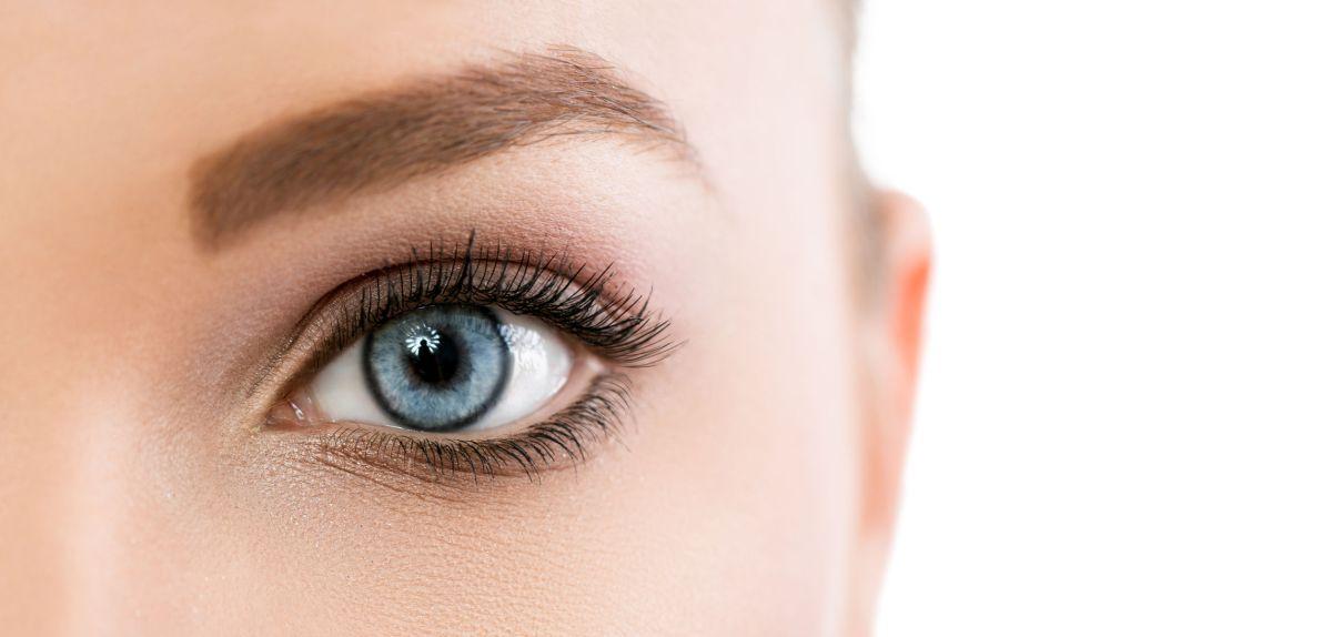 Trucco da matrimonio per occhi azzurri