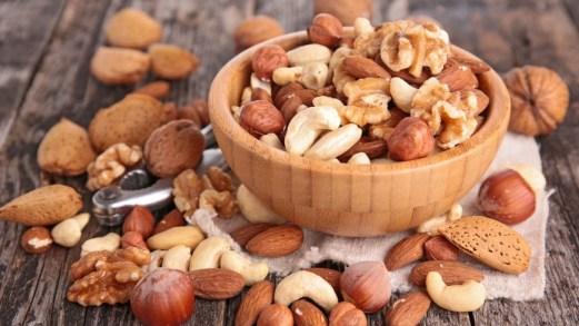 Dieta nutritariana, perdi peso con verdura e frutta secca