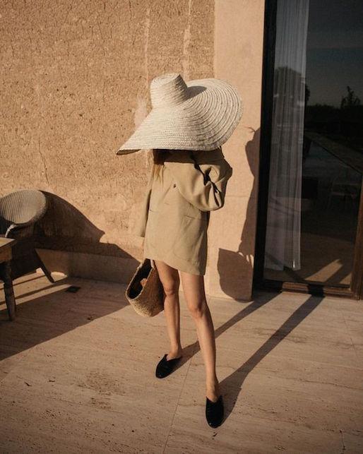 Come indossare il cappello di paglia