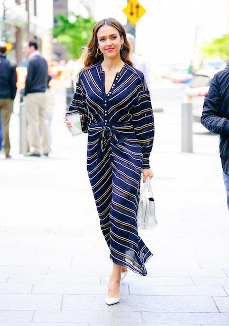Jessica Alba: la pagella dei suoi look da giorno