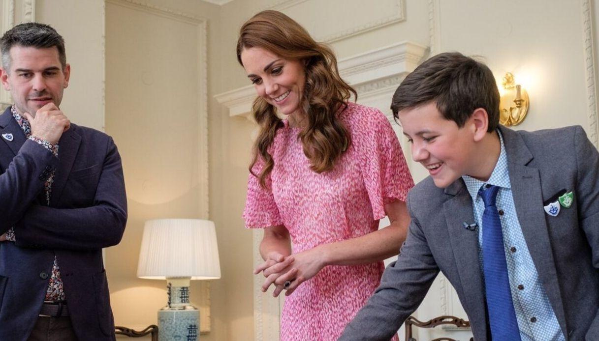 Kate Middleton giudica le opere della Blue Peter Royal Garden Competition