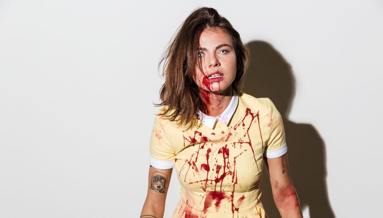 Trucco con sangue finto per Halloween