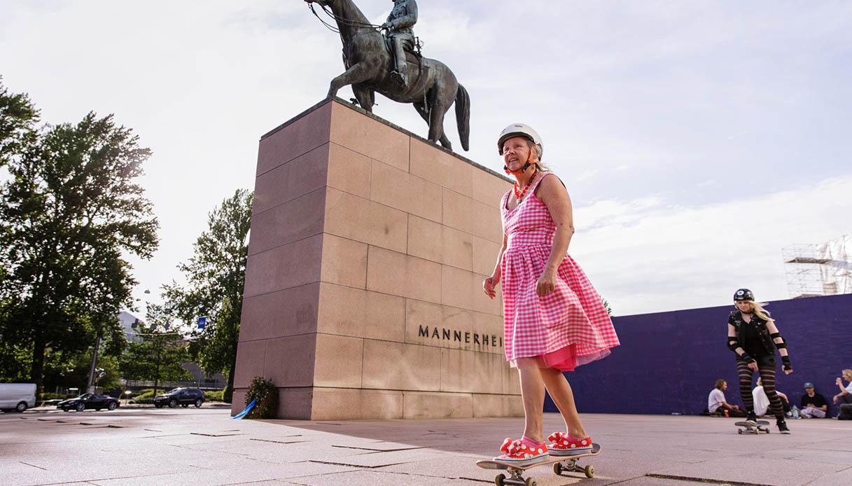 Lena Salmi, la skater ultra 60enne