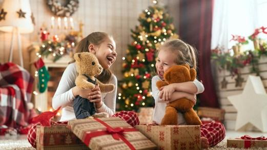 A Napoli (e non solo) arriva il giocattolo sospeso perché il Natale è un diritto di tutti i bambini