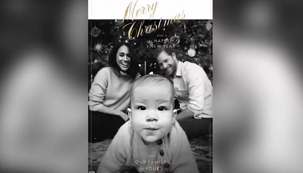 Meghan Markle e Harry con Archie nella Christmas Card