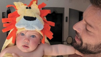 """Ricky Martin e la bellissima figlia Lucia: """"Padrona dei miei sogni"""""""