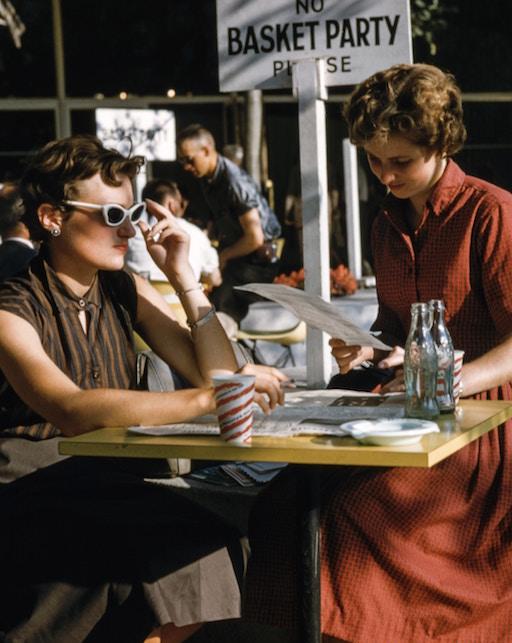 Come indossare un capo vintage: consigli di stile