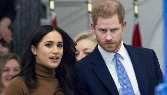 Meghan e Harry svegliati dalla polizia: il retroscena e la scelta della Regina