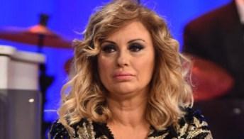 """Tina Cipollari contro Gemma Galgani: """"Scrive al mio ex marito Kikò Nalli"""""""