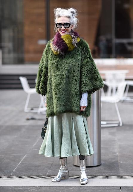 Come vestirsi a 60 anni: idee di look