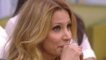 """GF Vip, Andrea Denver preoccupato per Adriana Volpe: """"Spero che stia bene"""""""